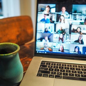 10 essential tips for mastering the working from home life